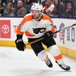 Scott Laughton staying in Philadelphia