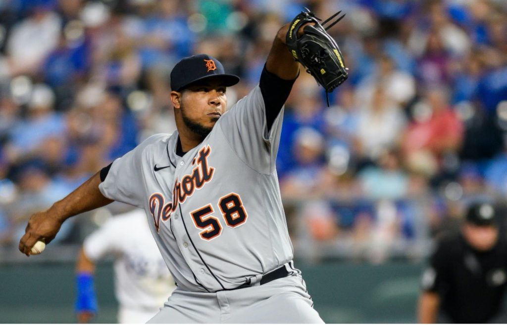 Wily Peralta fitting in well in Detroit