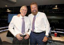 Penguins broadcast legend Mike Lange retires
