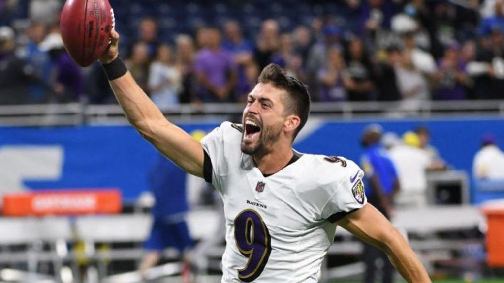 Just Tucker breaks NFL record
