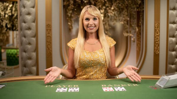 The Benefits of Playing Live Casino Games